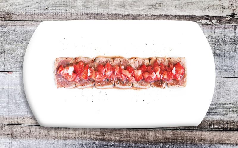 Tataki de atún rojo con fresas al agridulce de Merlot