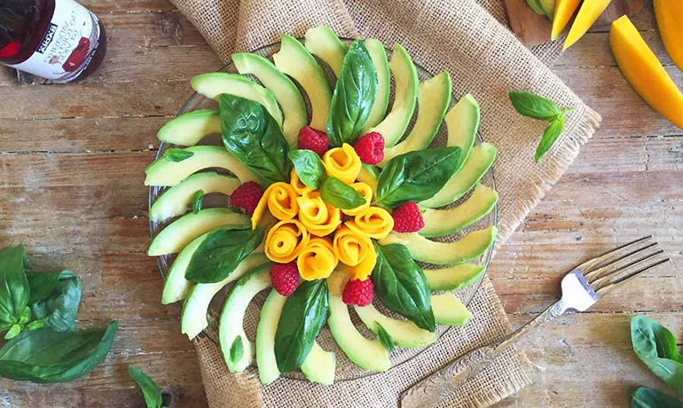 Avocado & mango salad with Cabernet Sauvignon wine vinegar